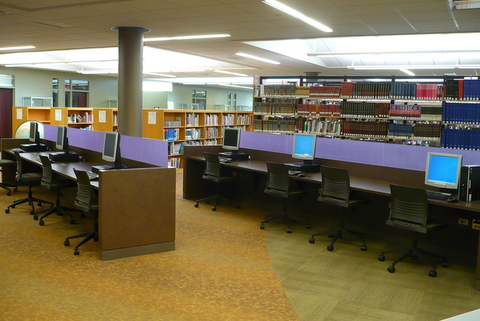 Upper level computing area
